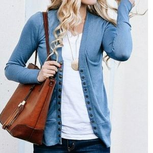 Zenana Outfitters Blue Snap Cardigan Size Large
